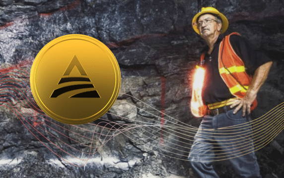 Miner in a cave finds gold